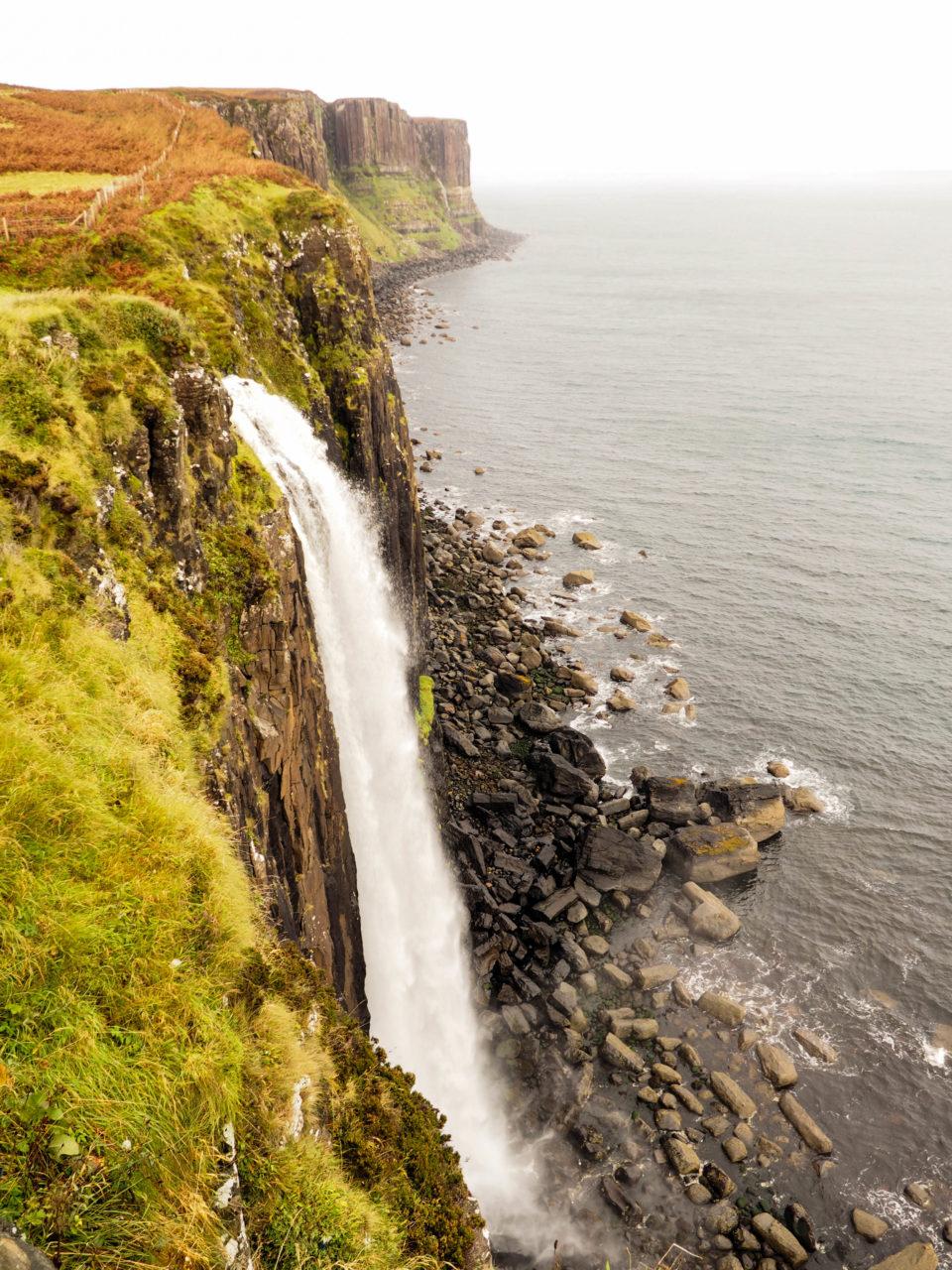 Schottland-Isle-of-Skye-Wasserfall