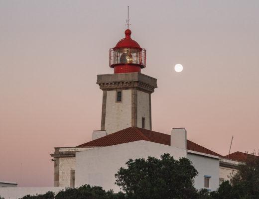 Algarve-schoene-Orte-Leuchtturm